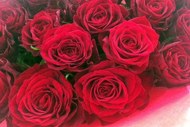 大切な人にはバラの花束を!!お葬式のお花について