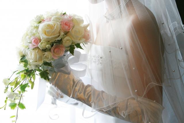 少子高齢化の日本、若い世代は結婚や子育てについてこんな風に考える