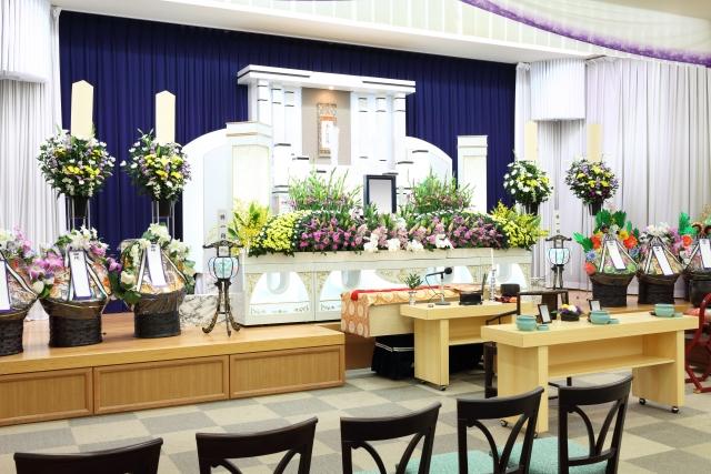 家族葬が増えた今だから、お葬式の時にいただいた供花についてのお話し